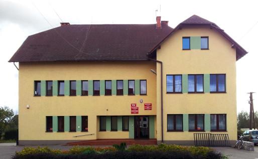 Urząd Gminy w Brzoziu - budynek