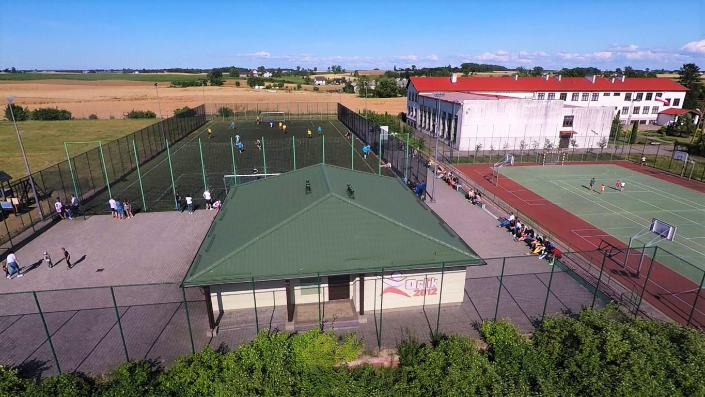 Kompleks boisk sportowych ORLIK 2012 w BRZOZIU